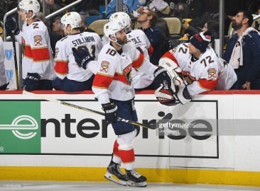 PITTSBURGH, PA - JANUARY 05: Brett Connolly #10 of the Florida Panthers celebrates his first period goal against the Pittsburgh Penguins at PPG PAINTS Arena on January 5, 2020 in Pittsburgh, Pennsylvania. (Photo by Joe Sargent/NHLI via Getty Images)